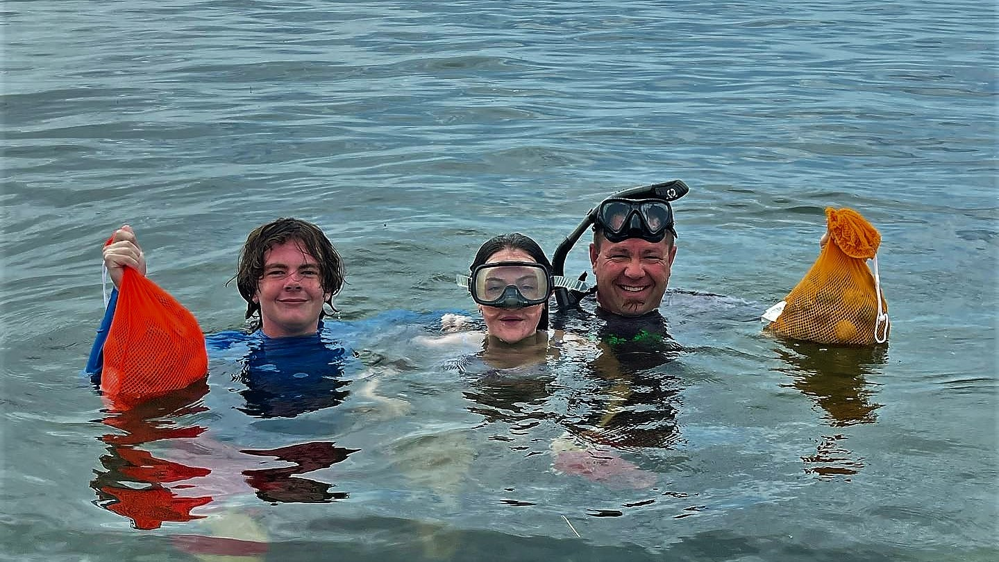 A picture of Crystal River Fishing Charters Mid Season Scalloping In Crystal River 2021